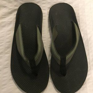 NWOT Mens Chaco Flips -  Size 12
